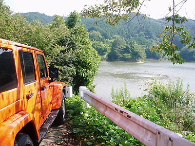 jeepと布目ダム