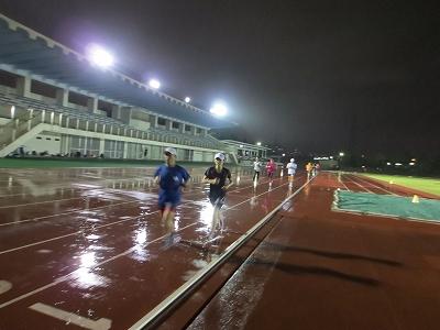 雨の中の練習