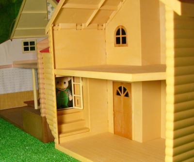 赤い屋根の大きなお家赤い屋根のお家3