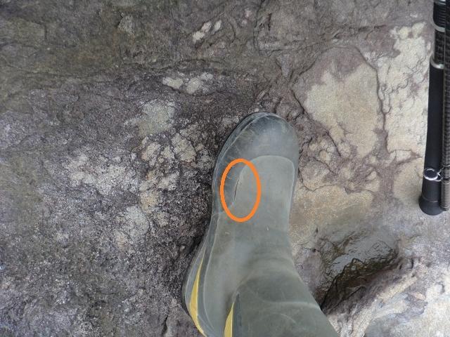 ブーツの破れ (640x480)