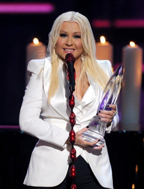 Christina-Aguilera-010913-1.jpg