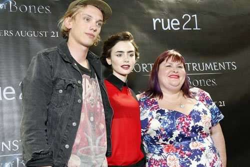 Lily-collins-Jamie-campbell-bower-080313-3.jpg