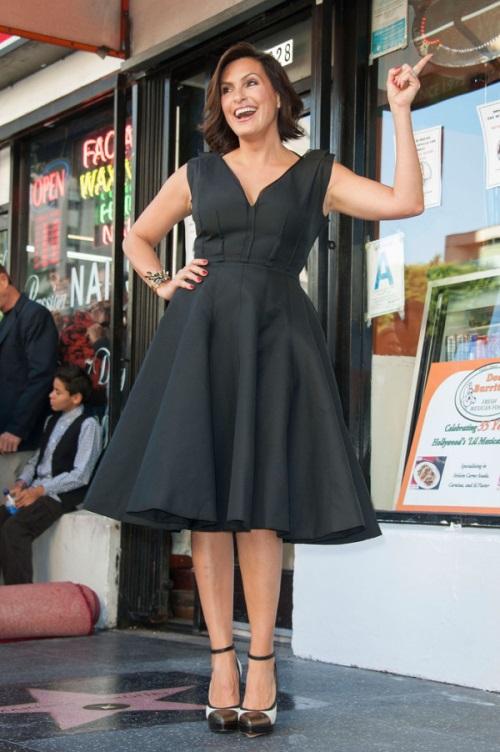 Mariska-Hargitay-in-Lanvin-Star-on-The-Hollywood-Walk-of-Fame-2.jpg