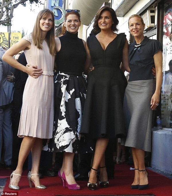 Mariska-Hargitay-in-Lanvin-Star-on-The-Hollywood-Walk-of-Fame-7.jpg