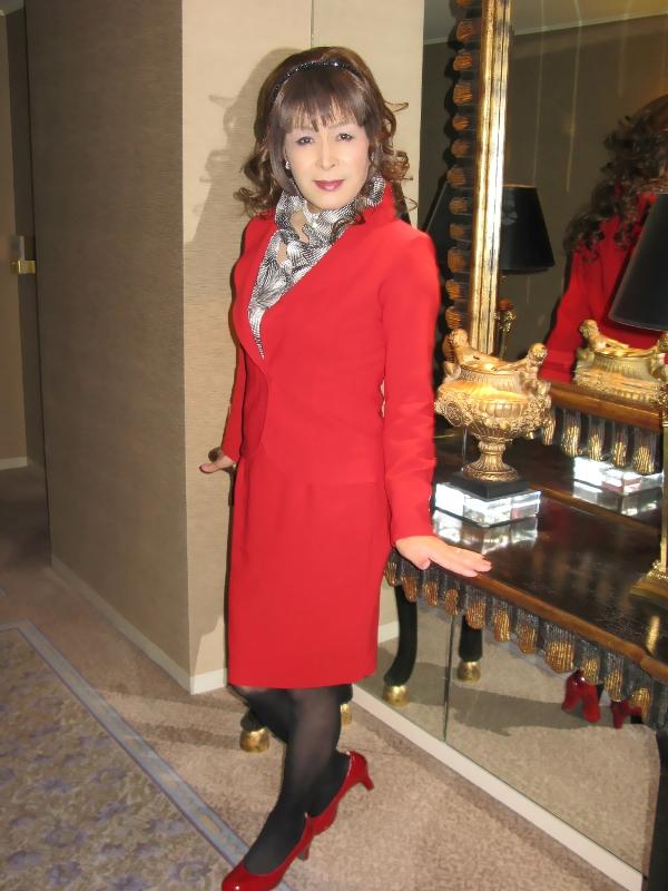 081217赤スーツ(2)