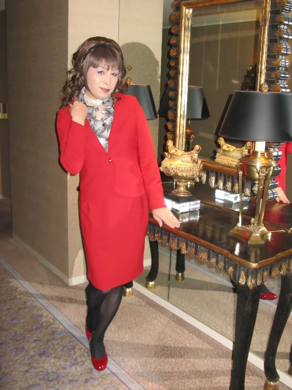 081217赤スーツ(3)