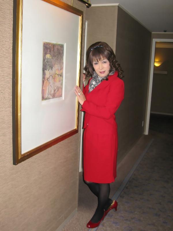 081217赤スーツ(4)