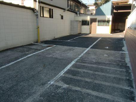 千住 大黒湯の広い駐車場