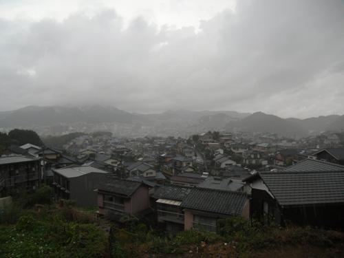 長崎はやっと雨