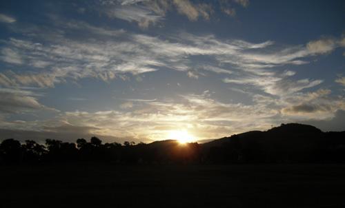 まだ日の出前の森山公園。