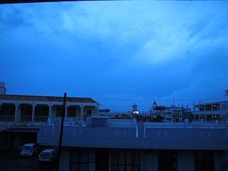 20130820宮古島広小路雨景色