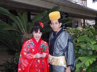 20090915琉球衣装ふたり