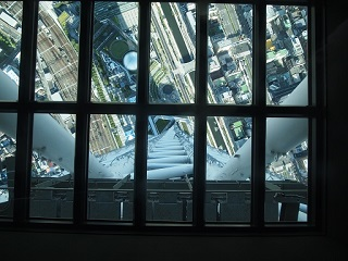 20130909東京ルカイツリーガラス床