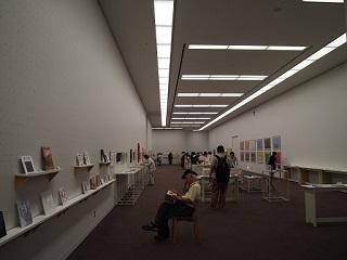 20130909東京展絵本コーナー