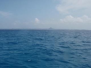 20110720沖縄遠くに伊江島