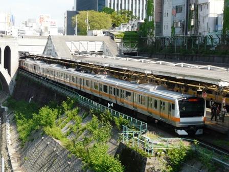 御茶ノ水橋から E233系電車 2