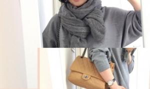 室井由美子さんのグレーのコーデ