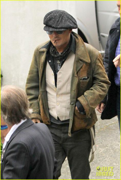 johnny-depp-sells-fox-comedy-pilot-01.jpg