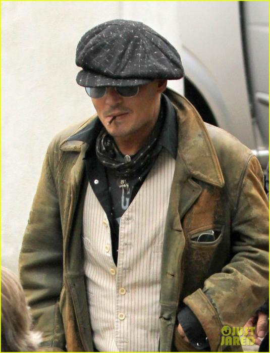 johnny-depp-sells-fox-comedy-pilot-02.jpg