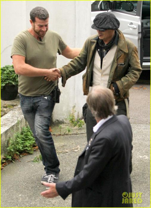 johnny-depp-sells-fox-comedy-pilot-05.jpg