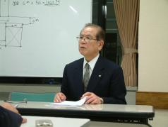 講師の高坂登相談役