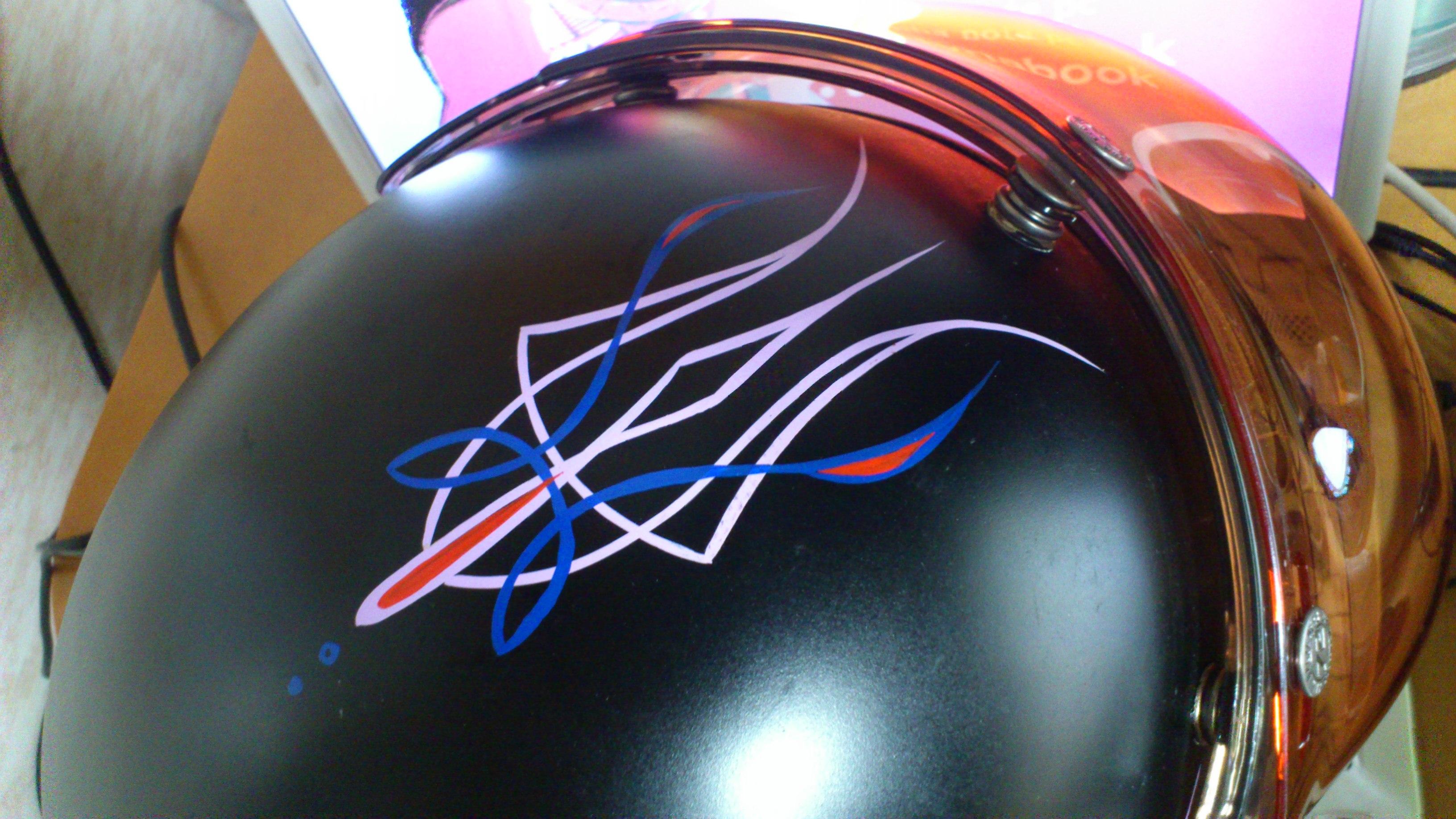 ピンストヘルメット1