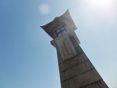 鞆の浦風景 見上げた常夜灯
