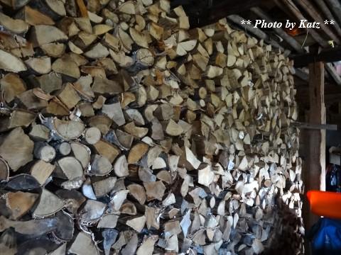 薪小屋 (2)