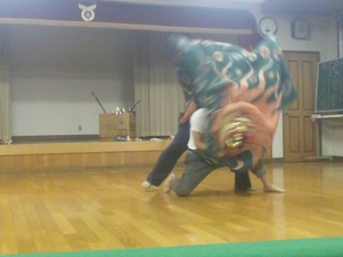 子雀獅子稽古2013.4.25 (12)