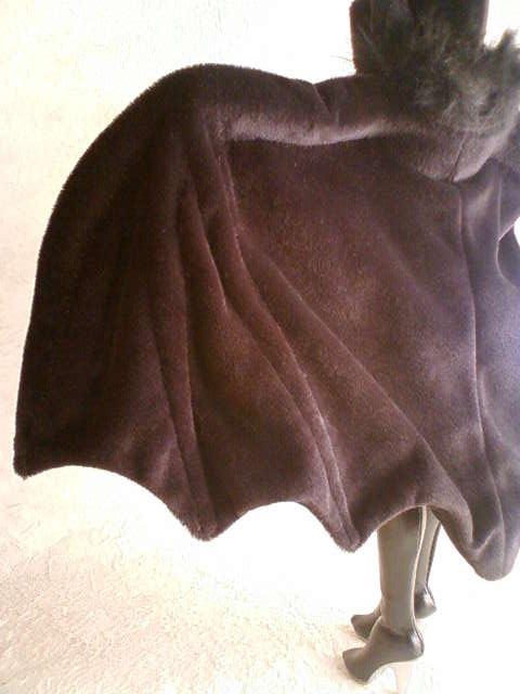 bat_cape_b_20131104232922594.jpg