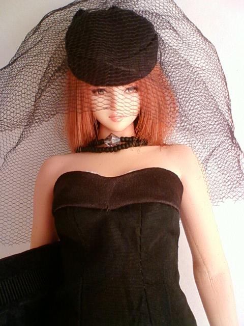 seamless_mourning_dress_b.jpg