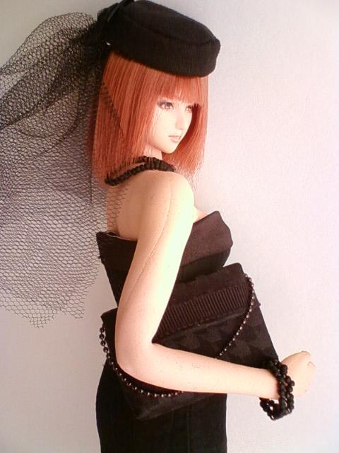 seamless_mourning_dress_c.jpg
