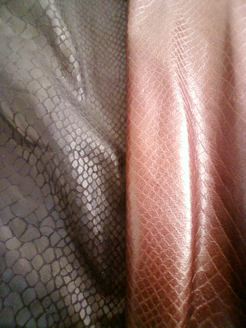 snake_pants_suit_2d.jpg