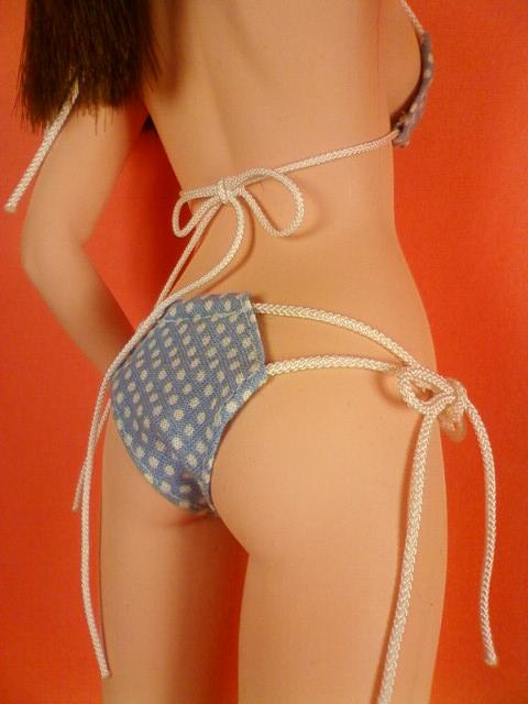 string_bikini_polka_dots_c.jpg