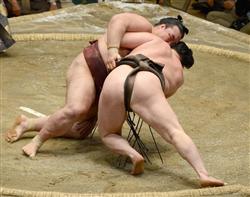 大相撲・白鵬勝ち
