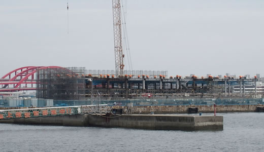 ラスイートホテル建設工事始まる@第一突堤-1