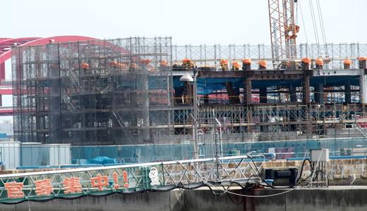 ラスイートホテル建設工事始まる@第一突堤-2