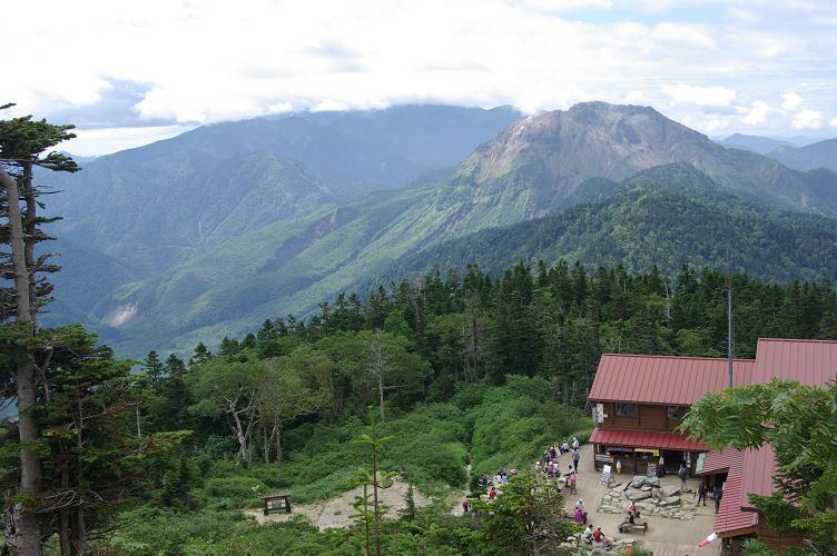 04山荘俯瞰焼岳