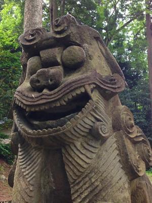 大幡神杉伊豆牟比咩神社の狛犬
