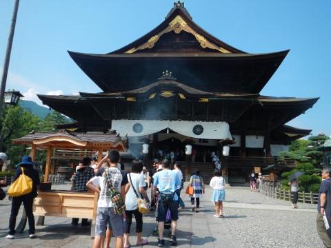 とても大きい善光寺