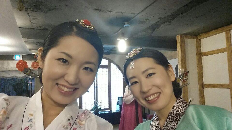 韓服スタジオ二人セルカ
