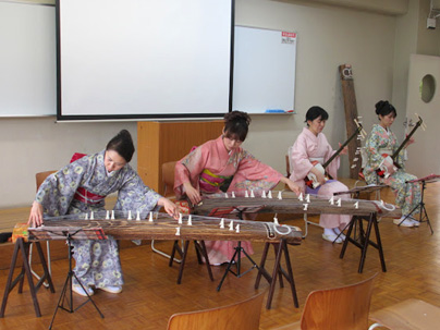チーム牡丹 お琴と三味線の演奏