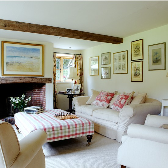 Cream-Country-Living-Room-Country-Homes-and-Interiors-Housetohome.jpg