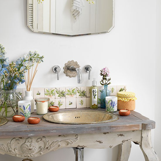 Distressed-Basin-Table-Bathroom-Country-Homes-and-Interiors-Housetohome.jpg