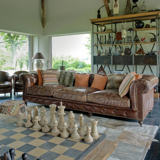 Eclectic-Living-Room-Homes-and-Gardens-Housetohome.jpg