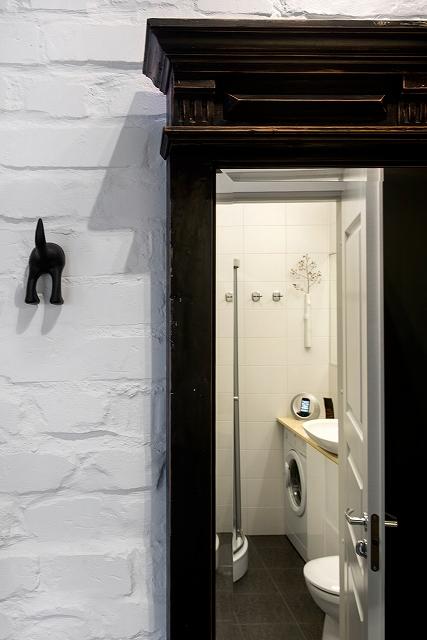 Entrance-bathroom.jpg