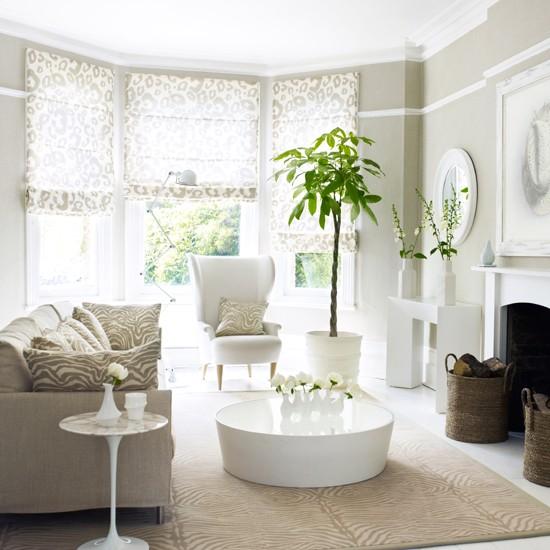 Grey-and-Animal-Prints-Living-Room-Homes-and-Gardens-Housetohome.jpg