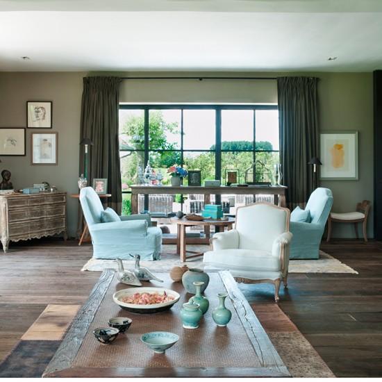 Grey-and-Aqua-Living-Room-Homes-and-Gardens-Housetohome.jpg