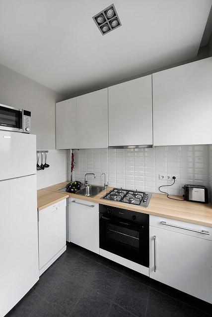 Grey-and-white-kitchen.jpg