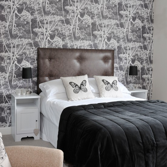 Monochrome-Bedroom-Style-at-Home-Housetohome.jpg